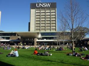ニューサウスウェルズ大学は、とっても素敵な大学です。8月のシドニーには、やっと春が間近に・・・。