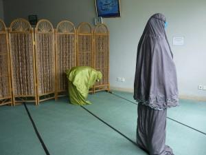 12時のお祈りの時間(大学の内の教室で)