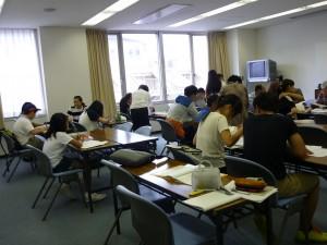 教室にはいろいろな人が学びに来ています