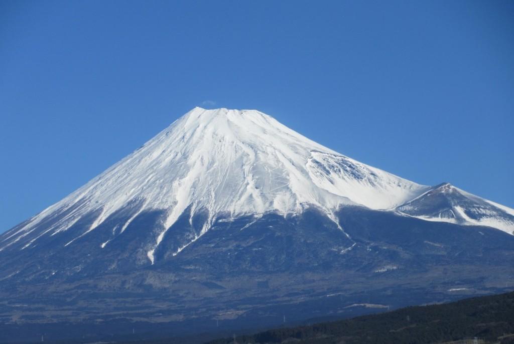 浜松フェアに向かう新幹線から見た富士山。この日の富士山は、まるで「何か」を語りかけているようでした。