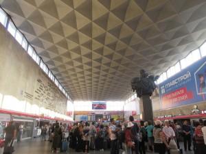 サンクトペテルブルグの「モスクワ駅」は、とても素敵な建物でした。