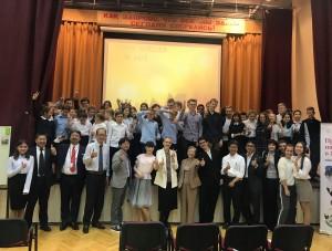 モスクワの1471学校で、記念撮影