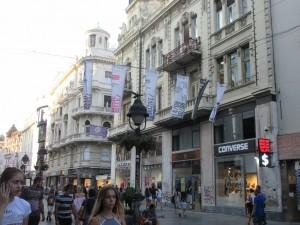 クネズ・ミハイロヴァ通りは、ヨーロッパで一番人気の歩行者天国とも言われています。