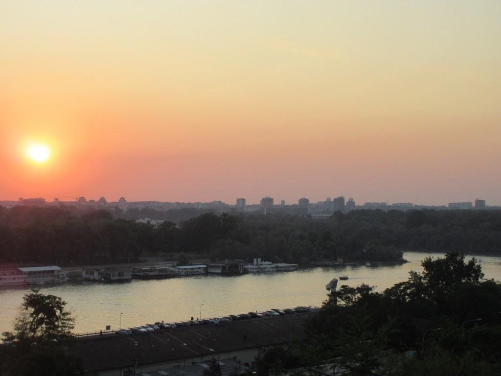 要塞から見たサバ川の夕日