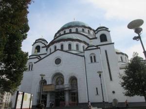 聖サバ教会は、1935年に建設が始まりましたが、戦争などによって中断され、今もまだ建設中です。